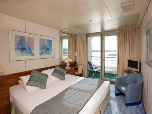 Cruise deals on worldwide cruises from icruise new zealand for Balcony cabin cruise deals