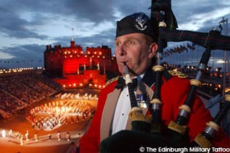 Coach trips to Edinburgh Military Tattoo 2018