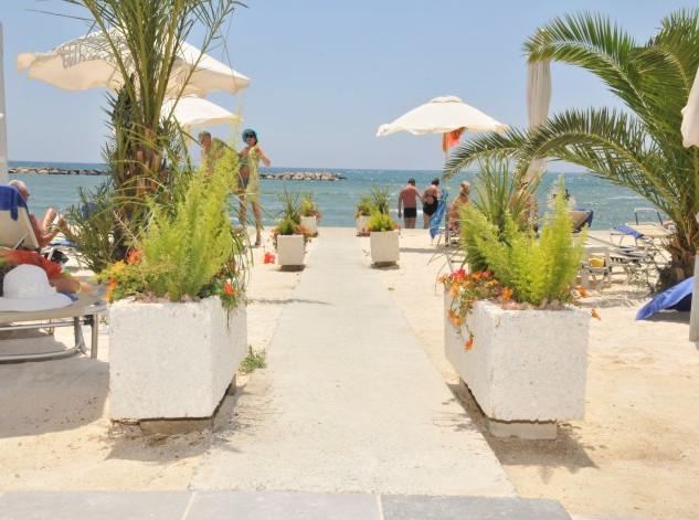 Larnaca beach