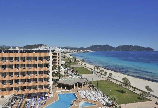 Cala Millor beach view