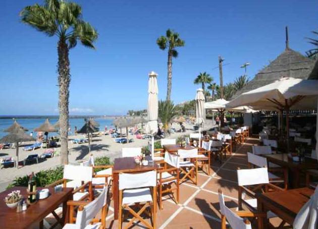 Playa de las Americas promenade