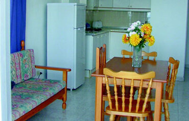 Comodoro Apartments