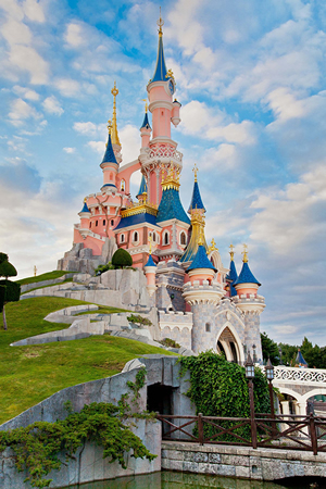 Disneyland Paris 2016 - Book Now!