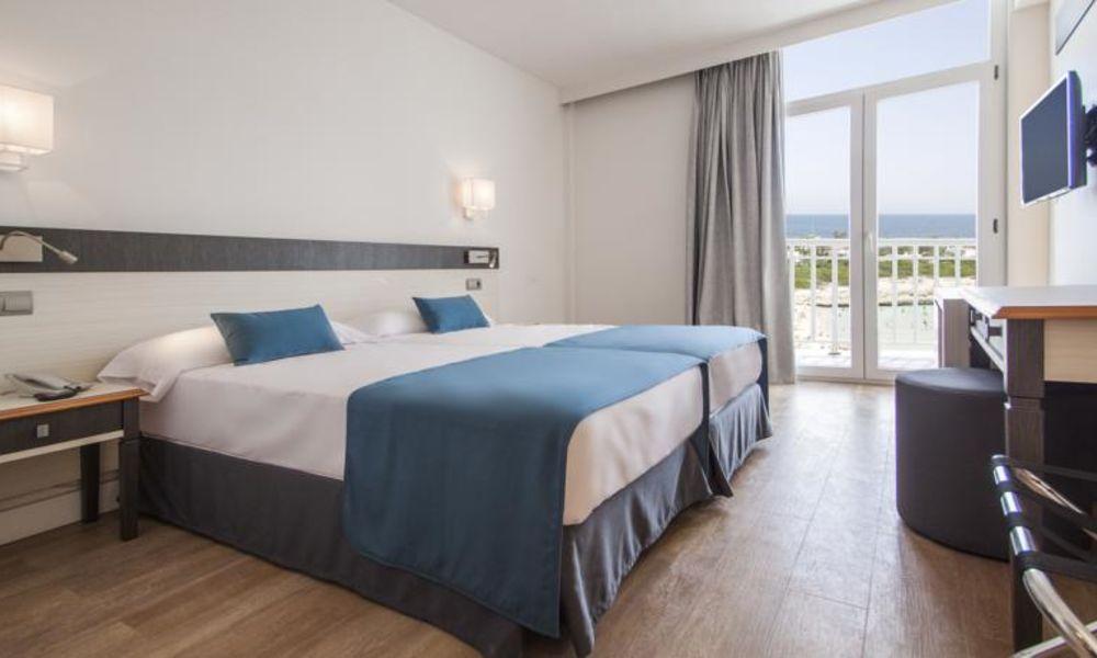 Calan Bosch Hotel