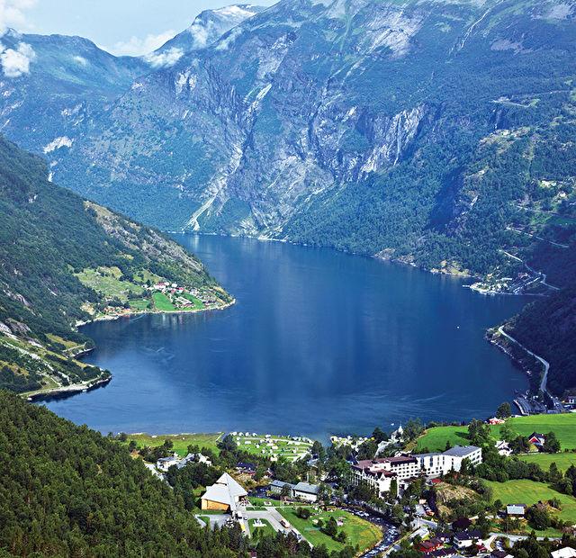 Scandinavia Adventure Stay & Cruise