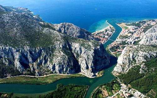 Overnight in Omiš